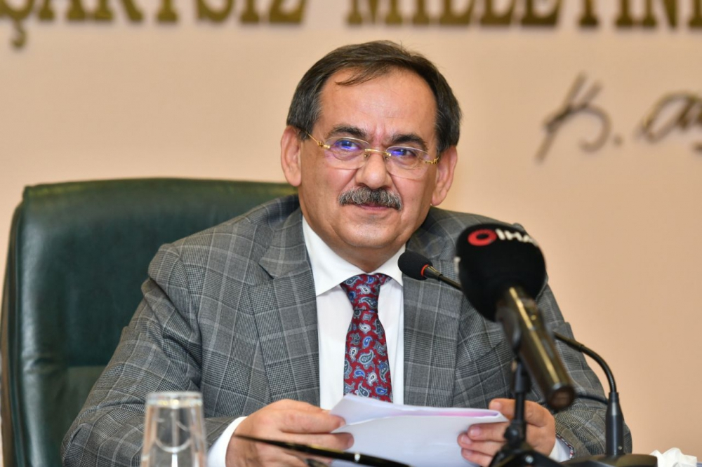Büyükşehir Belediye Başkanı Mustafa Demir'in 2020-2021 eğitim ve öğretim yılı mesajı