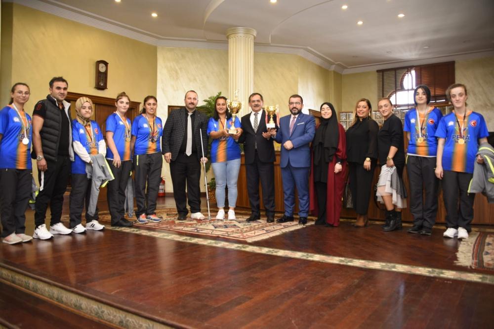 'ÖZEL' ŞAMPİYONLAR BÜYÜKŞEHİR'DE